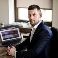 Dr. Pauker Zoltán menedzser, okleveles adótanácsadó