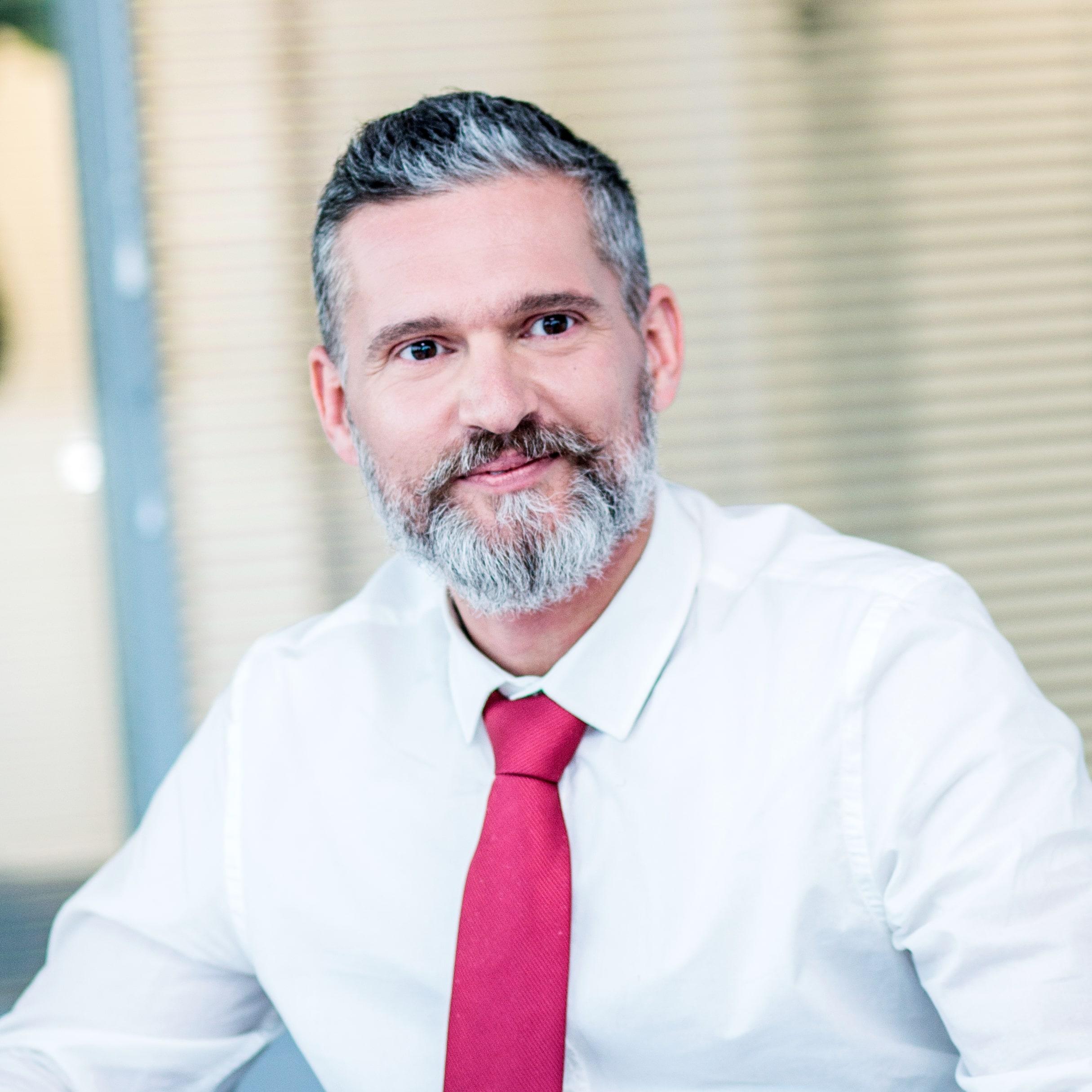 Juhász Péter jogász-adószakértő